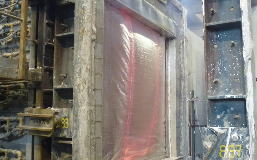 Causes de fallada en assaigs de cortines de foc en testar els criteris d'Integritat (E), Radiació (W) i Aïllament (I)
